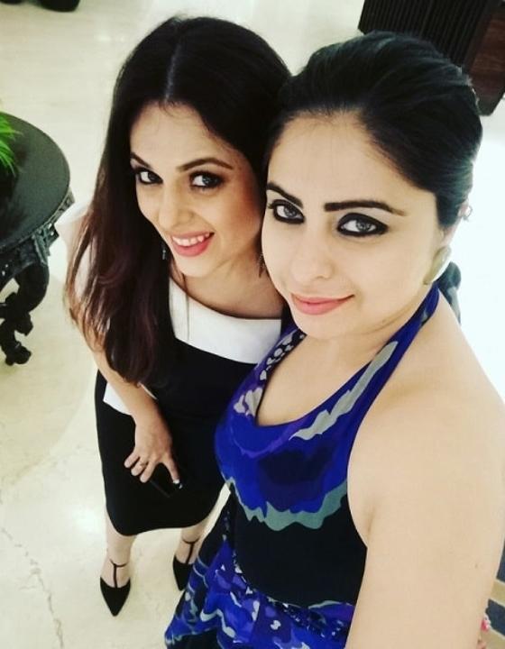 In Video: #SelfieShots With Anjana Sukhani