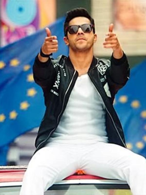 """Karan Johar, The Father Figure!"" When Varun Dhawan Introduced Star Gang At IIFA"