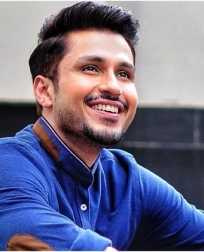 "Exclusive: ""Sitting Idle At Home"" Amol Parashar Soon To Debut As Lead In Bollywood Movie"