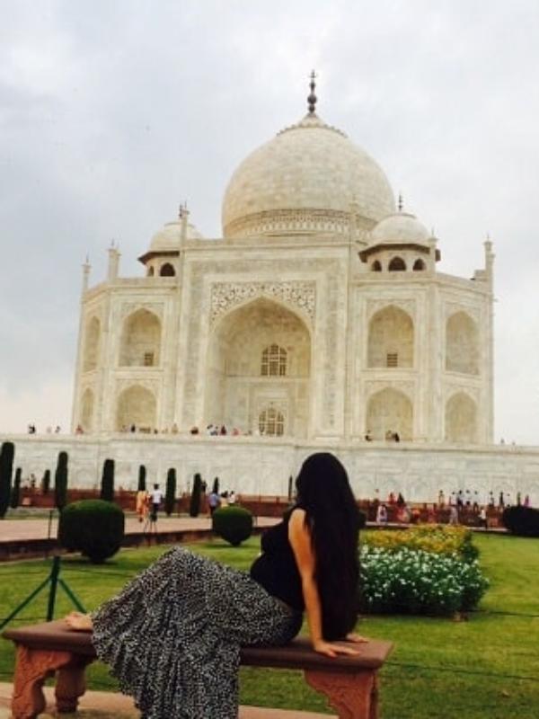 At Last, Agra! The Land Of Taj Mahal & A Shoe Story