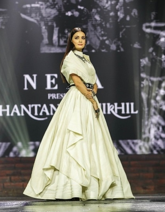 IIFA 2018: Dia Mirza Shares Personal Hacks To 'Beat Plastic Pollution'