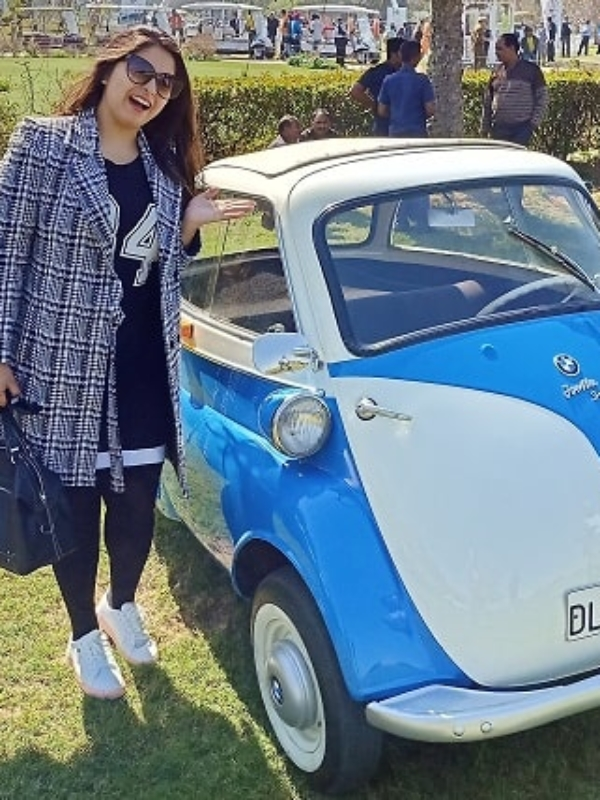 Vintage Cars: OMG! Is This World's Smallest BMW Car?!