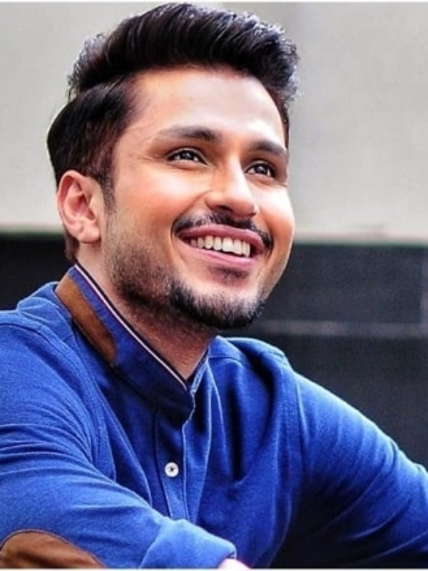 """Exclusive: """"Sitting Idle At Home"""" Amol Parashar Soon To Debut As Lead In Bollywood Movie"""